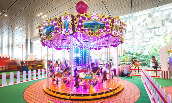 Grand Carousel 04