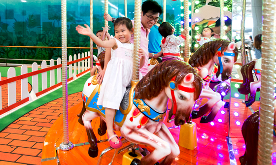 Grand Carousel 06