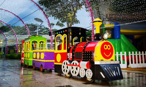 Trackless Train 01 (Rainbow)