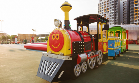 Trackless Train 04 (Rainbow)